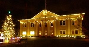 Ft Langley Christmas Village Cruise - Paddlewheeler Riverboat Tours